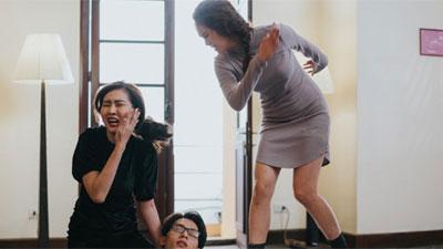 13 năm trước bị Angela Phương Trinh cho 'ăn tát', nay Nhật Hạ lại tát điên cuồng bạn diễn trong 'Cậu Chủ Ma Cà Rồng'
