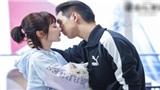 Sự thật cảnh hôn ngọt ngào trong 'Thân ái, nhiệt ái': Lý Hiện không ngừng chùi miệng, Dương Tử ngại ngùng