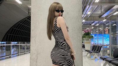 Thiều Bảo Trâm đăng hình khoe dáng cùng caption gây war với nhiều 'mỹ nhân photoshop'