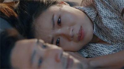 'Hoa hồng trên ngực trái' tập 13: Khuê tha thiết mong Thái hoãn ly hôn đến khi các con trưởng thành