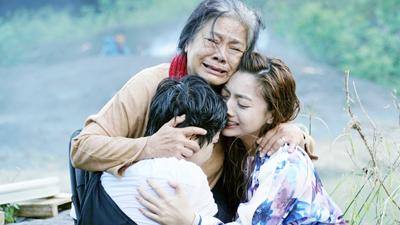 'Lật mặt: Nhà có khách': Tháng 10 rồi, cùng xem phim để tri ân đến mẹ yêu thương bạn nhé!
