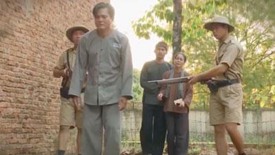 'Tiếng sét trong mưa' lộ kết bi thảm: Thanh Bình bị bắn chết, Thị Bình khóc nức nở nhìn Khải Duy đi tù
