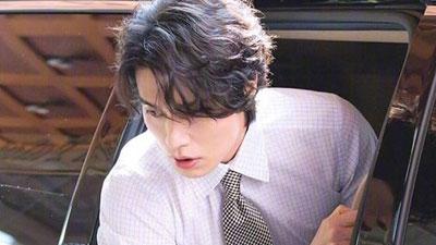 'Thần chết' Lee Dong Wook đẹp như nam thần công sở hớp hồn triệu fans
