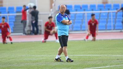 HLV Park Hang-seo trầm ngâm, 'ủ mưu' cho cuộc chiến xoay tua ở SEA Games