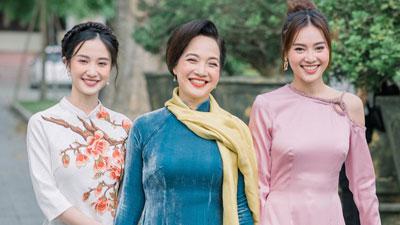 'Gái già' Lê Khanh cùng con dâu Lan Ngọc trở lại Huế tri ân sau khi phim đạt kỷ lục phòng vé