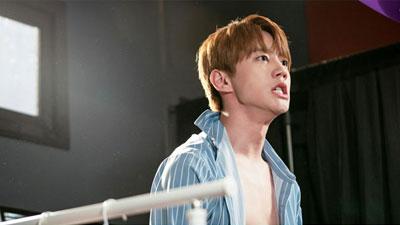 Jun (U-Kiss) nói về cảnh trần truồng trong 'Giả danh': Tiếc không tập thể hình sớm hơn