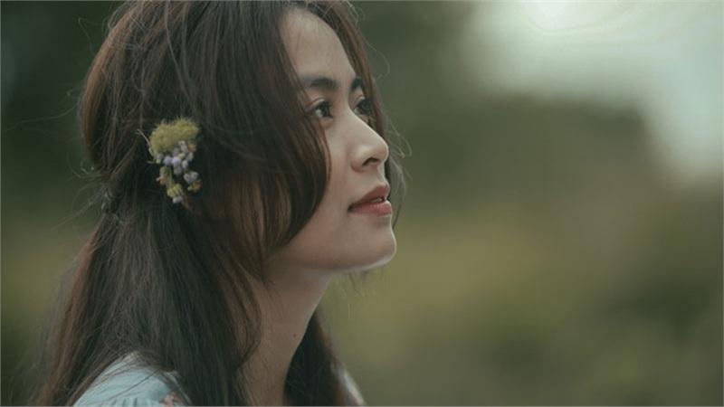 Xôn xao với phim mới của Hoàng Thùy Linh sau 7 năm, làm mẹ vẫn đẹp không góc chết