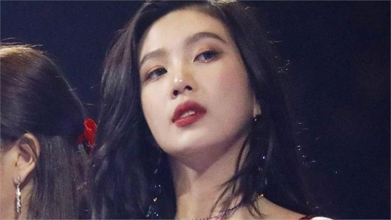Joy bị yêu cầu rời Red Velvet với lý do khó chấp nhận