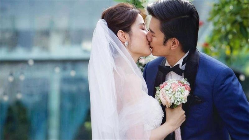 Nhan Phúc Vinh 'vỡ trận' facebook vì đăng ảnh hôn Diễm My trong đám cưới sau nghi án rạn nứt quan hệ
