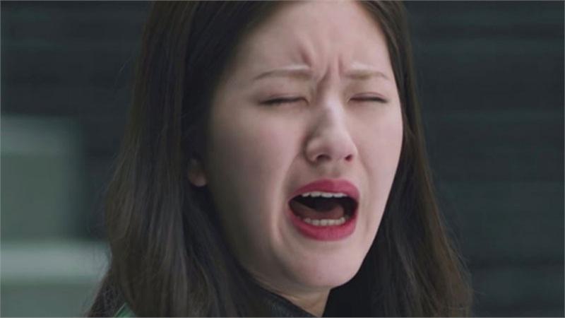 Mỹ nữ 'Trần Thiên Thiên trong lời đồn' - Triệu Lộ Tư bị chê cười vì khóc phát ra tiếng như... ấm nước sôi