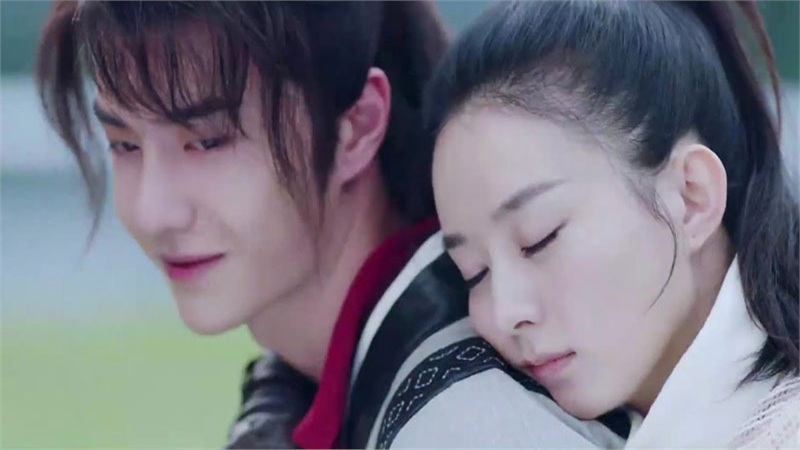 'Hữu Phỉ': Fan đỏ mặt với cảnh Vương Nhất Bác bế bổng Triệu Lệ Dĩnh, nữ diễn viên gầy đến mức kinh ngạc