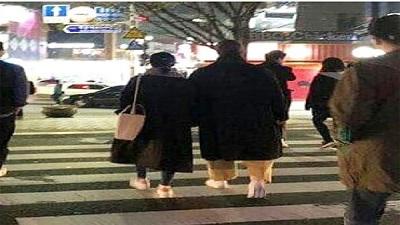 Vợ chồng Song Song hẹn hò dạo phố: Ngọt ngào như cặp đôi mới yêu