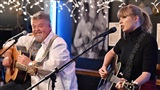 Taylor Swift biểu diễn tại quán cafe nơi được phát hiện tài năng