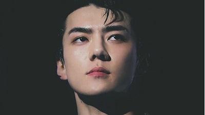 Sehun (EXO) là thần tượng đầu tiên trên thế giới xuất hiện trong mục quảng cáo trên báo The New York Times.