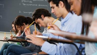 Tự tử ngay tại trường học và lời cảnh tỉnh cho nền giáo dục 'nhồi nhét'