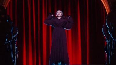 Madonna bất ngờ trình diễn tại Met Gala 2018 khiến dàn sao hạng A nể phục