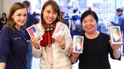 CEO Apple thích thú chia sẻ hình ảnh người Việt sở hữu iPhone X