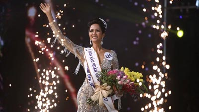 Ban giám khảo 'Miss Universe' Việt Nam 2017 chia sẻ về chiến thắng của H'Hen Niê