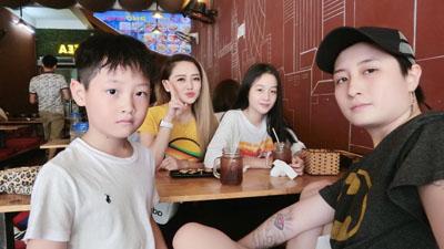 Nhìn lại tình yêu đồng tính của MC Ngọc Trang và Lin Jay trong 2 năm trước khi 'đường ai nấy đi'