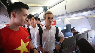 Chuyện chưa kể trên chuyến chuyên cơ đón đoàn Thể thao Việt Nam: Quốc ca hào hùng ngay trên máy bay