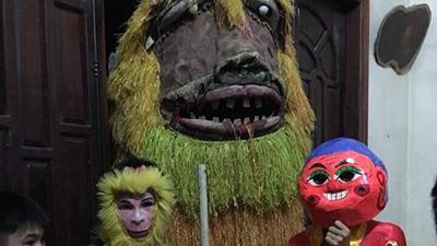 Đội hình múa lân Trung thu phong cách Halloween khiến dân mạng cười ngất