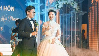 Đám cưới 4,6 tỷ của cặp đôi Quảng Ninh - Hải Phòng: Siêu xe Maybach đón dâu, mời ca sĩ Tuấn Hưng về hát riêng