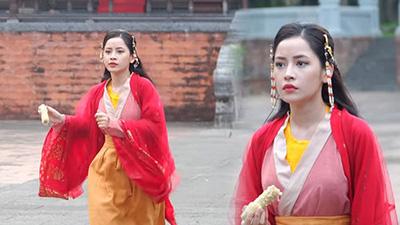 Hậu trường MV 'Anh ơi ở lại': Tấm và Hoàng Thượng cứ việc tình cảm, 'Cám' Chi Pu giải quyết xong… bắp ngô rồi tính tiếp!