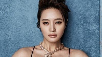 Danh tính nữ diễn viên thay thế Song Hye Kyo trong phim của đạo diễn 'Vì sao đưa anh tới' gây choáng váng