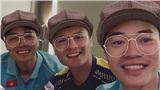 Trước thềm thi đấu với Thái Lan tại World Cup 2022, Quang Hải selfie dễ thương cùng Công Phượng và Văn Toàn