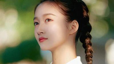 Lộc Hàm đăng ảnh chúc mừng sinh nhật bạn gái Quan Hiểu Đồng, bác bỏ tin đồn rạn nứt
