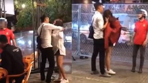 Mặc đồ bạn trai tặng đi chơi với thanh niên khác bị bắt gặp, cô gái lột phăng chiếc áo, tát thẳng mặt người yêu
