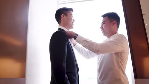 Sau đám cưới, trung vệ Duy Mạnh gửi lời cảm ơn đến Đức Huy, tiện thể tiết lộ luôn tính cách cộc cằn của ông anh 'nhiều lông lá'