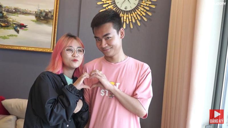 Lộ hình ảnh MisThy thân mật với streamer Quang Cuốn, dân mạng chỉ ra điểm 'sai sai'