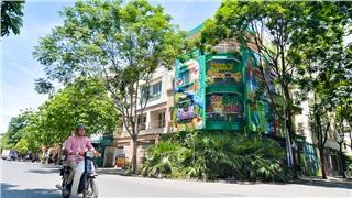 Độc lạ biệt thự 300m2 ở Hà Nội nổi bật với bức tranh tường nghệ thuật ai cũng phải ngắm nhìn