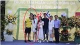 Huỳnh Anh tiếp tục bị dân mạng soi ngoại hình khi để lộ ảnh chụp chung thân thiết với gia đình bạn trai