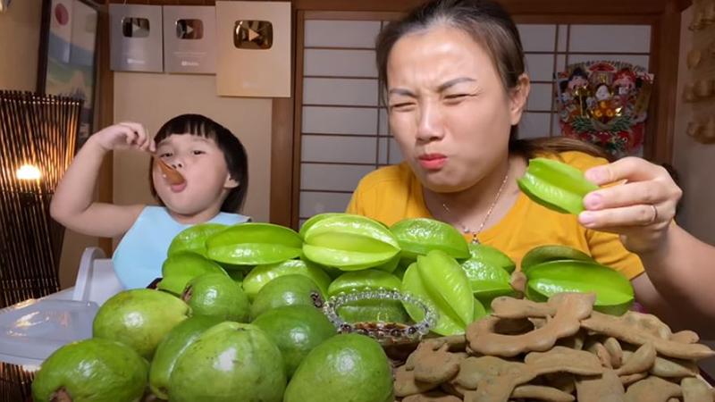 Hết thèm sơn hào hải vị, Quỳnh Trần JP chuyển sang đầu tư tiền triệu mua toàn món quê ăn mà thấy đã