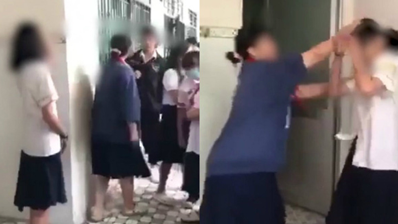 Clip: Nữ sinh lớp 8 cổ đeo khăn quàng tát tới tấp 'Tuesday', dằn mặt bạn trai trước cửa nhà vệ sinh