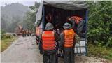 Người dân cầu mong bình an đến với 13 chiến sĩ gặp nạn khi vào thủy điện Rào Trăng 3 cứu hộ
