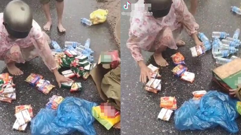 Ấm lòng người dân miền Trung vừa nhận được thùng mì cứu trợ đã bóc ra chia cho 6 hộ gia đình khác