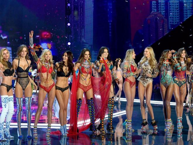 Tiệc của các thiên thần Victoria's Secret bất ngờ bị hủy ngang vì cảnh sát Trung Quốc can thiệp