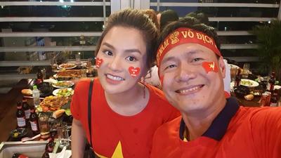 Cựu siêu mẫu Vũ Thu Phương tặng 2 tỷ cho đội tuyển bóng đá Việt Nam