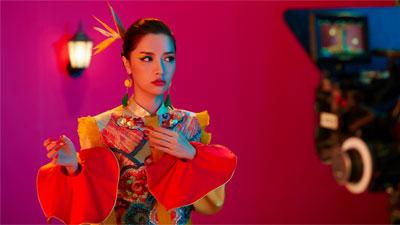 Bích Phương ra mắt 'Bùa yêu', siêu phẩm âm nhạc mở màn năm 2018