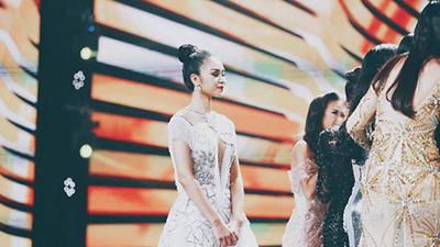 Người đẹp duy nhất không chúc mừng H'Hen Niê đăng quang lên tiếng