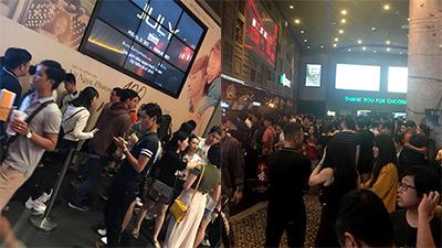 Dân mạng rầm rầm chia sẻ hình ảnh các rạp chiếu phim 'thất thủ' vì Avengers
