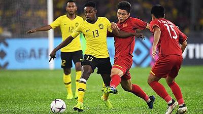 Vì hành động chửi trọng tài, Malaysia ngậm ngùi chịu thêm 1 thẻ đỏ ở trận chung kết lượt về AFF Cup 2018