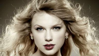 23 'mảnh tình vắt vai' của Taylor Swift từ thời trung học đến hiện tại