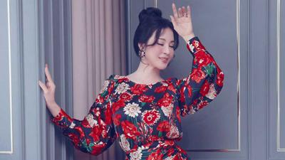 Bước vào tuổi U50, MC Thanh Mai khiến 'hội chị em bạn dì' ghen tị vì 'trẻ mãi không già'
