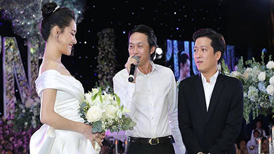 Hoài Linh và dàn sao Việt hát mừng đám cưới Trường Giang và Nhã Phương