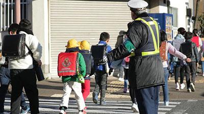Nhật Bản: Chính phủ lập quỹ hỗ trợ phụ huynh trong thời gian học sinh nghỉ học vì Corona