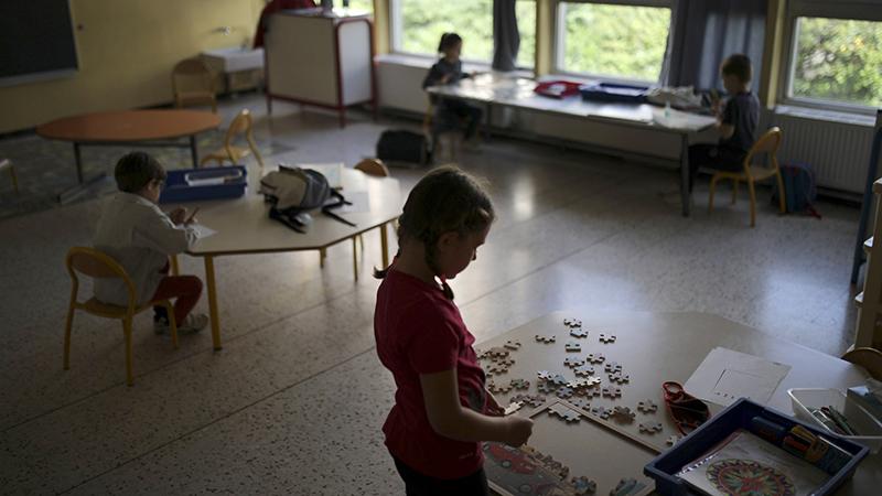 Chỉ một tuần sau khi mở cửa lại, Pháp ghi nhận 70 ca nhiễm Covid-19 tại các trường học